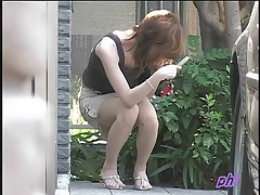 Spying on Japanese girls outdoor