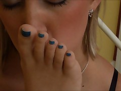 Hot feet worship