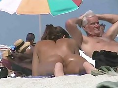 Voyeur See hot pussy at the nude beach