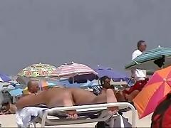 Uncover beach voyeur