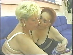 Real Granny Lesbians (305)