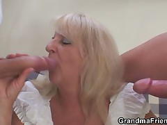 Muted granny pussy fucked