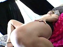 kirra lynne teaseing with her big phat ass