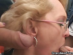 Peaches granny has threesome outdoors