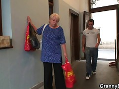 Bodily young guy bangs old blonde woman