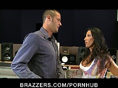 BIG TIT BRUNETTE MILF MOM PORNSTAR DEEP FUCK BIG COCK FOR DAUGHTE