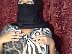 Muslim Unspecified Flashing on Cam