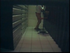 Salope de collegue en camera cachee