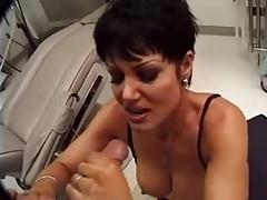 Jeanna Fine gives doctor a BJ