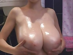 F60 Big Boobs OIL MASSAGE