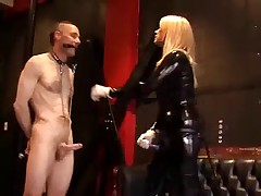 Latex mistress fuck slave