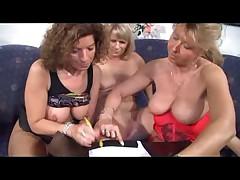 3German Moms-Lesbians