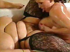 Bbw Lesbians fuck In the shower
