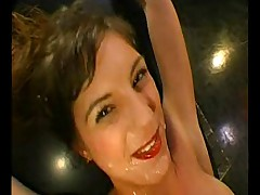 Cissie bath sperma
