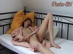 Alleine nach dem Duschen - Passion-Girl German Amateur