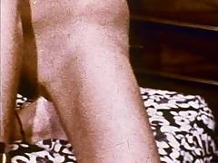 Linda Lovelace 8mm Loop - Open pussy, insert foot!