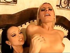 Tgirl Lesbians Carla and Thays