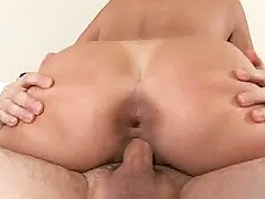 Hot mom Jacy Andrews experiments with pleasurable toys