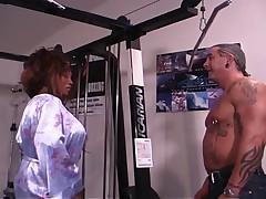 Spontaneous Xtasy Gym Fuck