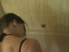 KleineStute19 - Im Bad gefickt
