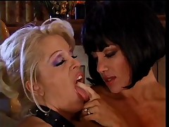 Sexy Girls Masterbate Each Other While Horny Men Stroke It0