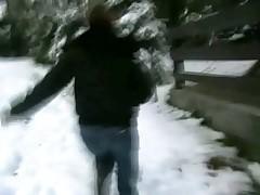 Schneeflitchen im winter weggefickt