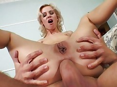 Thin hottie humped and facialized