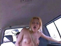 Hilda Brasil having shemale sex in car