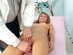 Vladimira mature old pussy speculum gyno going-over