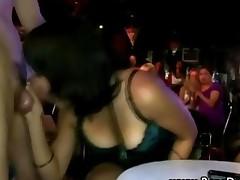 Cfnm Babe Gets Hot Sucking Cock