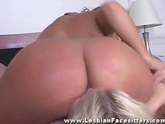 Lesbian Facesitting Orgasm