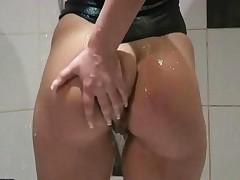 Hot Teen Masturbating In The Shower