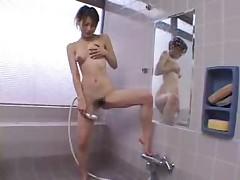 Akane Sakura Masturbationin Shower