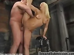 Blonde Gets Fucking In The Position Of Gymnastics