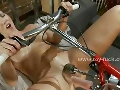 Sexy Babe With Nice Ass Fucked By Fucking Machines In Toy..