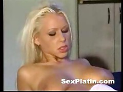 Two Lesbians Fisting And Dildoing