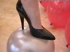 Fetish Milf In Pantyhose With Balloons