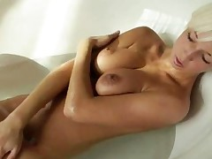 Blonde With Nice Tits In The Shower