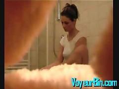 Killer Body Brunette Filmed In The Shower