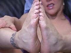 Masturbation Teacher Teases Cocks Using Her Feet