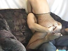 Fishnet Girlfriend Drilled On The Couch