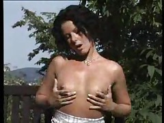 Brunette milf outdoor bj