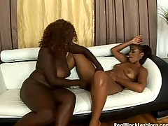 Black lesbian pussy licking and fucking