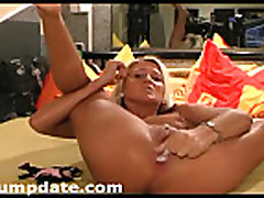 Cam- Blonde babe dildoing and fisting her pussy