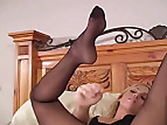 Lonnie Waters pantyhose