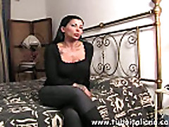 No Sound: Italian Sexy Mature Wife Moglie