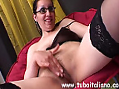 Italian Housewife Masturbation