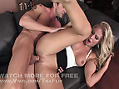 Nikki Jayne Fucks Her Therapist After A Session