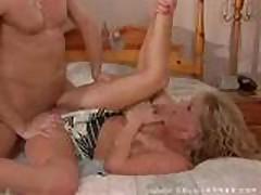 Keri Windsor Fucked On Bed