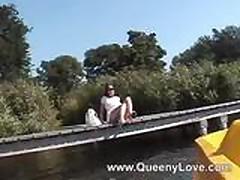Queeny Love waterbike handjob